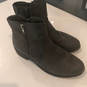 White Mountain Barlow Stone bootie
